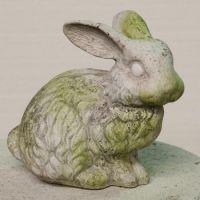 Bumper Bunny Fiber Stone Resin Indoor/Outdoor Garden Statue/Sculpture