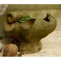 Concetto Shell 15in. Fiber Stone Resin Indoor/Outdoor Garden Statue