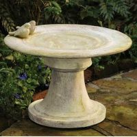 Giannola Birdbath Fiber Stone Resin Indoor/Outdoor Garden Statue