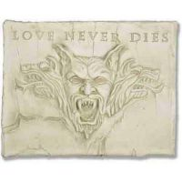 Love Never Dies Plaque Fiberglass Indoor/Outdoor Garden