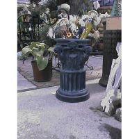 Griffin Capital Pedestal Fiberglass Indoor/Outdoor Garden